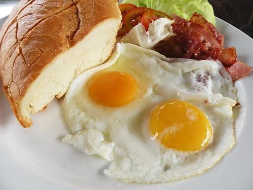 10 loại thực phẩm giúp bạn tăng cân