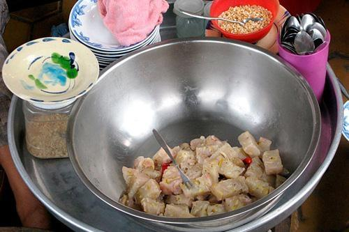 10 món ăn Việt ngon rẻ trong mắt du khách nước ngoài