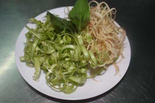 3 món ăn ngon trên đường Nguyễn Cảnh Chân