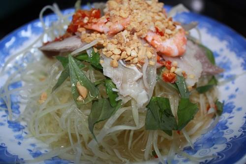 4 món ăn ngon trong khu chợ Bàn Cờ