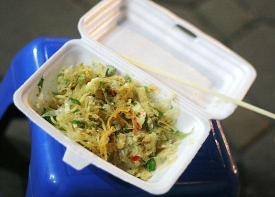 4 quán bánh tráng trộn hút khách ở Hà Nội