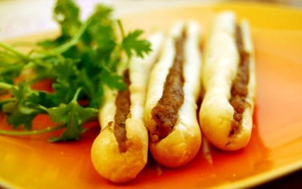 Ăn bánh mỳ cay, nhớ Hải Phòng
