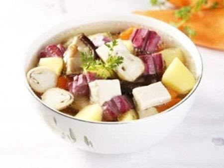 Ăn chay với canh khoai nấu nấm