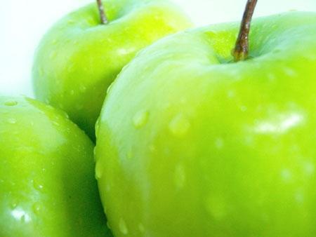 Ăn táo mỗi ngày giúp tránh viêm đại tràng
