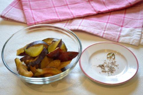 Bánh mận mềm thơm chua chua cực hấp dẫn