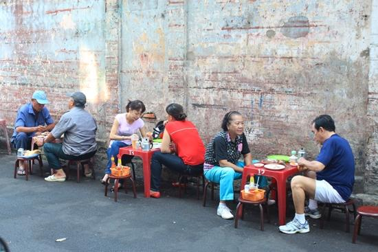 Bánh mì hẻm hơn nửa thế kỷ ở Sài Gòn