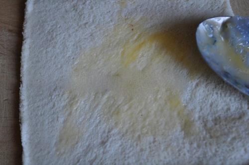 Bánh mỳ cuộn tôm - món ngon cho bé