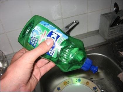 Bí quyết khử mùi cho hộp nhựa đựng thực phẩm