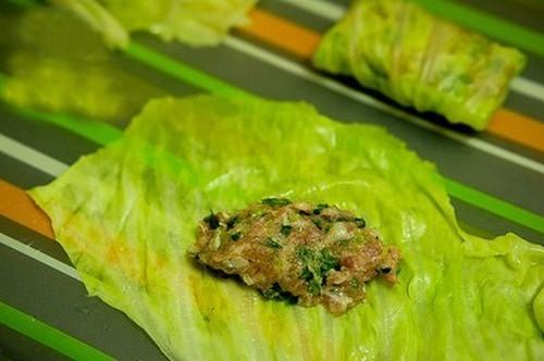 Biến tấu mới cho món bắp cải cuộn thịt thêm ngon