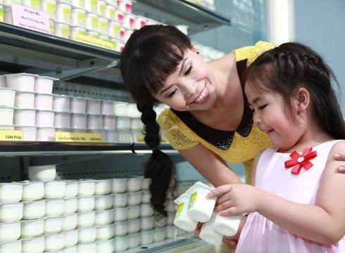 Bổ sung bữa ăn phụ cho bé cần đúng cách