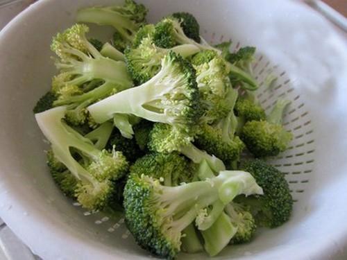 Bông cải xanh xào nấm