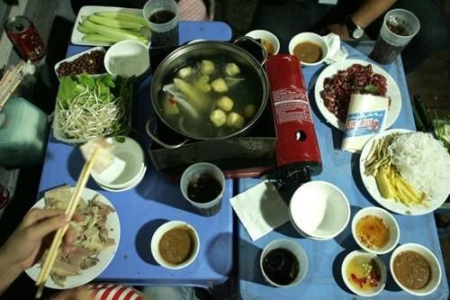 Các quán bò nhúng giấm ngon nức tiếng Hà Nội