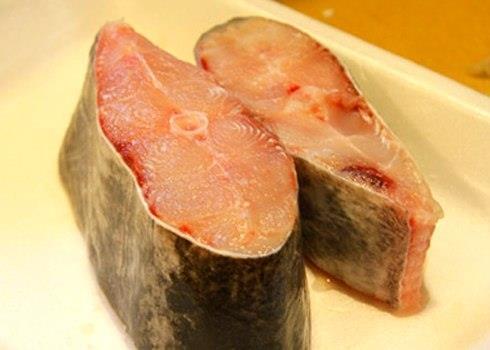 Cách hay làm giảm mùi tanh cá