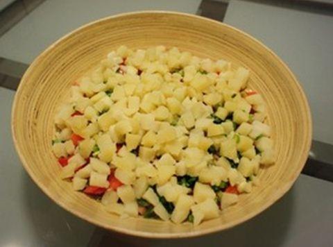 Cách làm salad Nga vị dứa tuyệt thơm