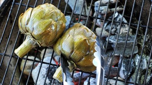 Cách sơ chế và nấu ăn với atisô