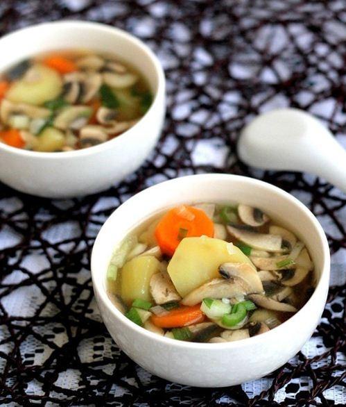 Canh khoai tây nấu nấm ngon ngọt dễ ăn