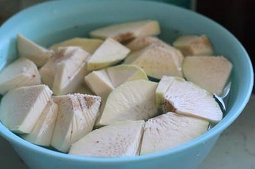 Canh sườn non nấu quả sa kê bổ dưỡng