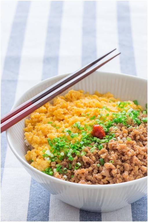 Cơm gà băm kiểu Nhật