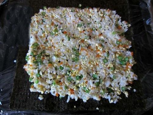Cuối tuần đổi món với cơm cuộn giản dị