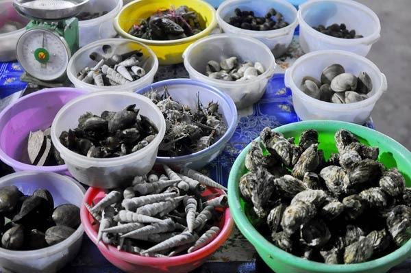 Đến Hạ Long nhậu hải sản vỉa hè