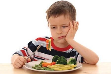 Giúp bé thích ăn rau