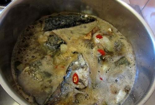 Lạ mà ngon với cá kho Coca