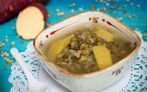 Mát lành món chè đậu xanh khoai lang