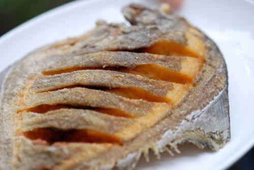 Mẹo cho món cá sạch nhớt, không tanh