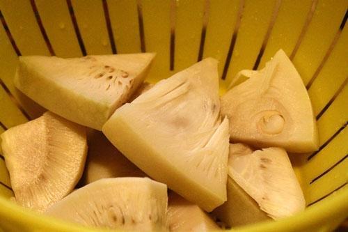 Mít xào hến đậm đà hương vị miền Trung