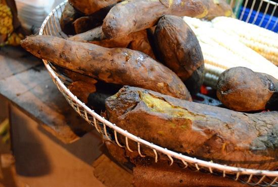 Món ăn vặt hè phố Hà Nội ngày đông