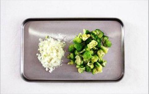 Món ngon cho bé: Cháo tôm bông cải phô mai