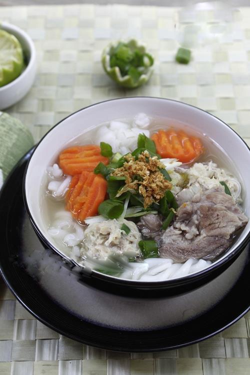 Món ngon cho bé: Nui nấu thịt viên rau củ