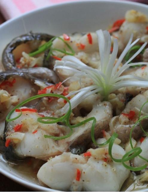Món ngon cuối tuần: Cá hấp tiêu
