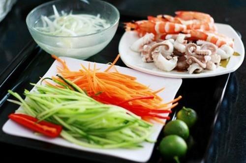 Món ngon cuối tuần: Miến trộn hải sản