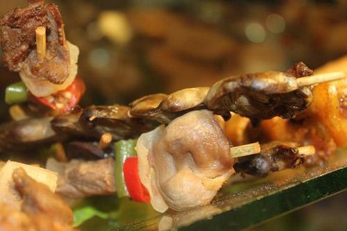 Món nướng vỉa hè Sài Gòn