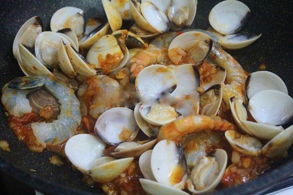 Mỳ Ý hải sản ngon cho ngày cuối tuần