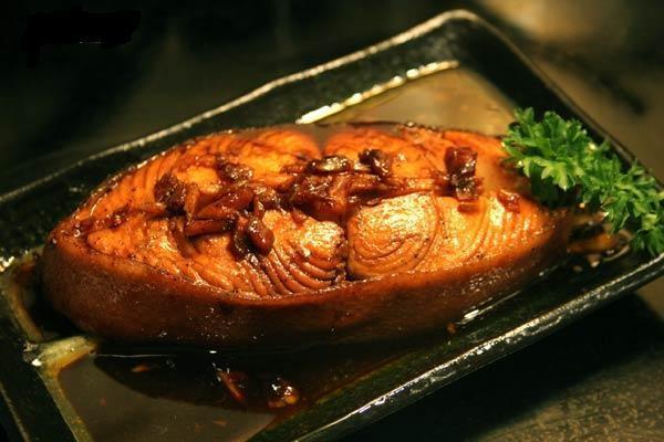 Nên ăn phần nào của cá?