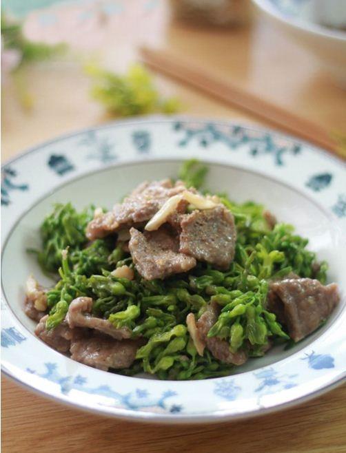 Ngon cơm với thiên lý xào thịt bò