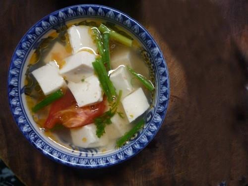 Ngọt lành món canh đậu nấu cà chua