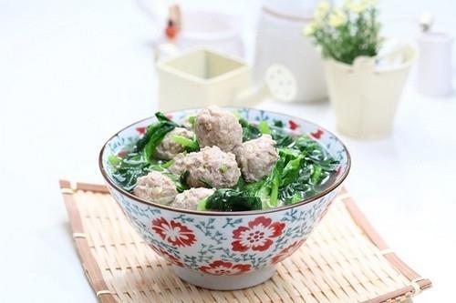 Ngọt thơm hấp dẫn món canh cải thịt viên