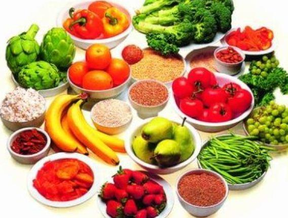 Người cao tuổi nên ăn nhiều rau quả