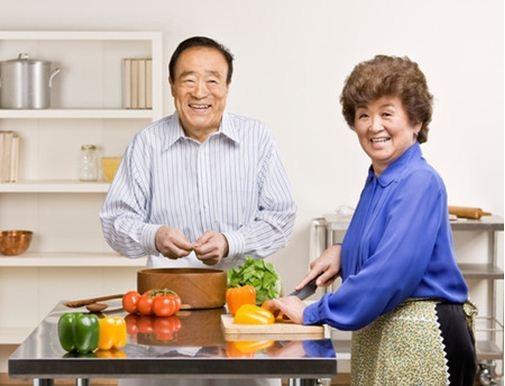 Nguy cơ dẫn đến suy dinh dưỡng ở người cao tuổi