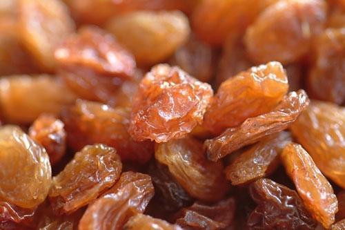 Nho khô và đậu nành giúp điều hòa huyết áp