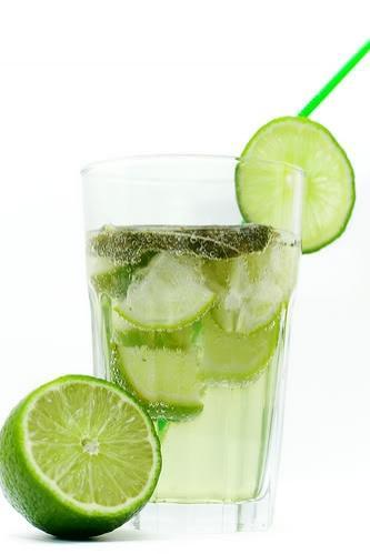 Nước chanh tốt cho người bị sỏi thận