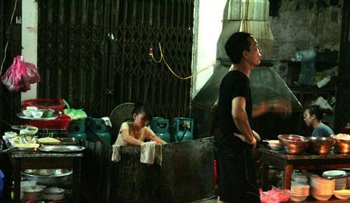 Phở rán, lòng xào phố Nguyễn Siêu