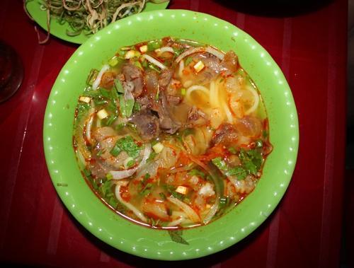 Quán ăn đường phố nhiều người thích ở Sài Gòn