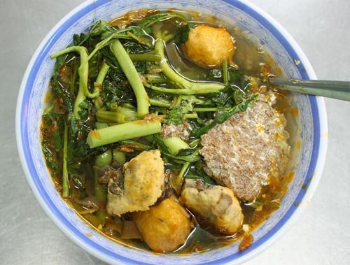 Quán bánh đa cua ngon ở khu sân bay Tân Sơn Nhất