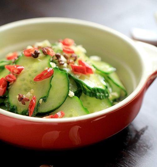 Salad dưa chuột chua giòn khó chối từ