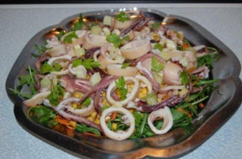Salad mực trộn giòn mát cho ngày nắng nóng