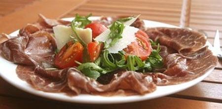 Salad thịt bò muối